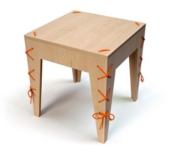 Banquinho costurado Fabricado no Brasil por ateliedorestaurador.com