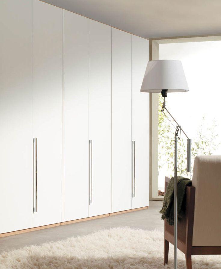 R2 - Composición lineal de módulos de armario en acabado blanco madera - Facil Mobel, fábrica de muebles a medida en barcelona, catálogo de armarios, juveniles, salones, dormitorios matrimoniales y complementos. Ofertas y solicitud de presupuestos.