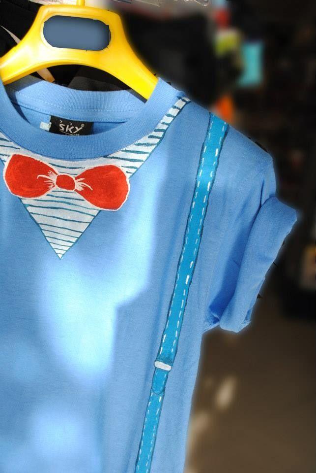 T-shirt bimbo colorata azzurra bretelle e bow tie : Moda bambino di totto-by-design