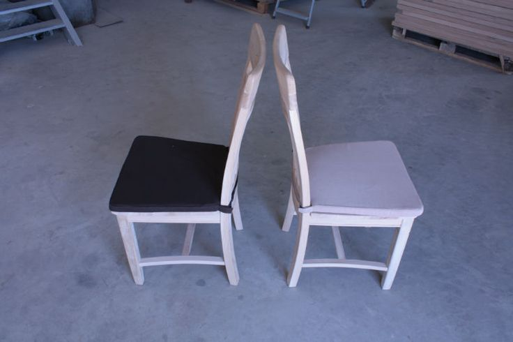 solid oak chair model Dijon