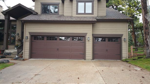 Our experienced techniques, top equipment and expertise promise excellent 24 hour residential garage door repair services in White Rock. Call us, to get professional help form Rio Garage Door Repair.