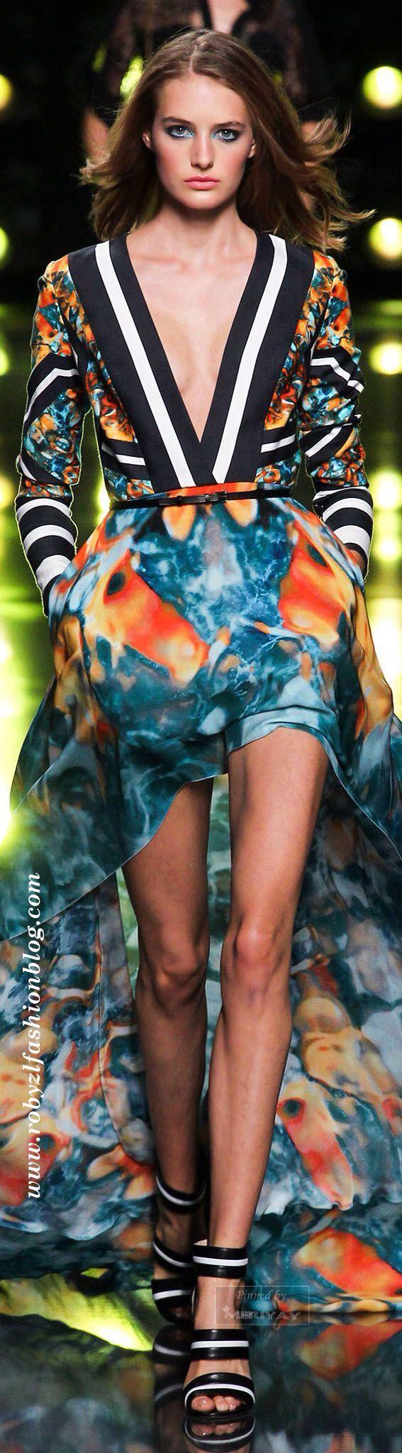 #Sposatevi e #proliferate  Io quest'estate voglio avere un valido motivo per indossare almeno uno di questi due #abiti #meravigliosi.  Certo, mi servirebbero #gambe chilometriche ed una #tintarella da fare invidia a #Jade #Foret durante le sue vacanze a #Miami, ma non voglio chiedere tanto...  Goodmorning Fashion girls ♥  #Dreaming a #long #dress in #summer new post now on www.robyzlfashionblog.com