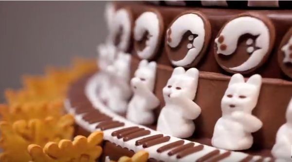 Gâteau Gato, the Chocolate Cat Zoetrope - Neatorama
