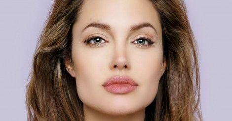 La actriz Angelina Jolie sufre de la Parálisis de Bell y se está tratando con acupuntura.