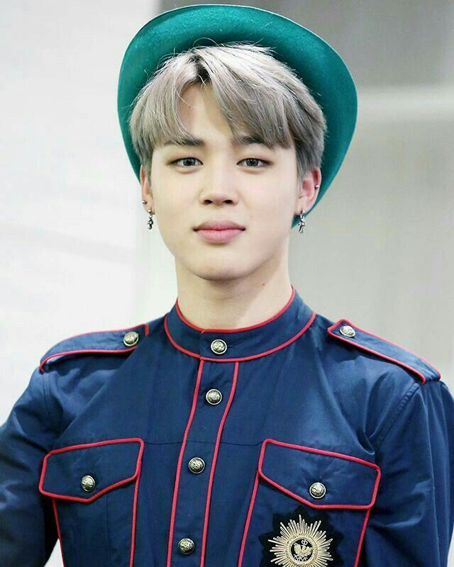 He HaS bEeN bIaS wReCkInG sO bAd LaTeLy. I just got a new phone recently and I have 1,000 or 2,000 something pictures on it and most of them are of Jimin!! SOMEONE HELP MEEEEEEEEEEEEEE!!!