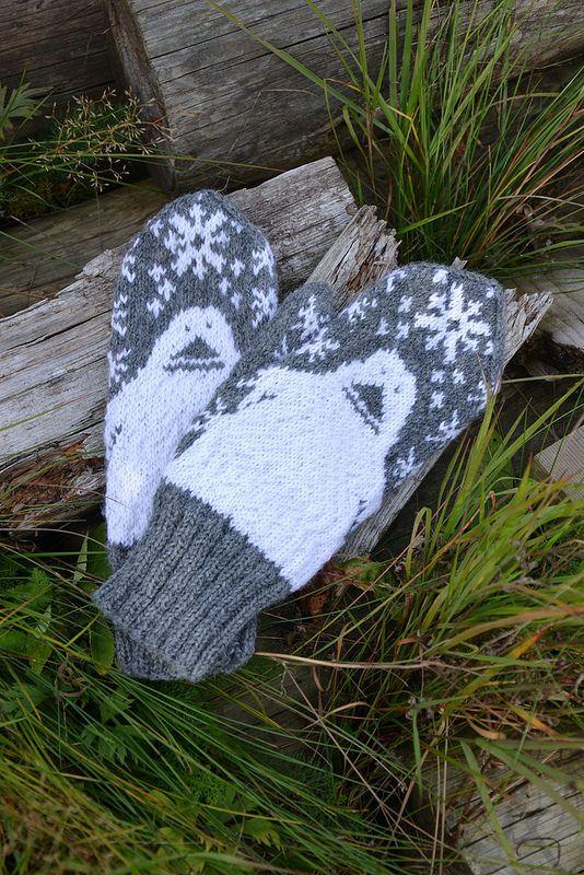 Groke mittens by Lankatarina