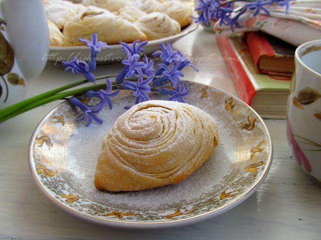 Постигая искусство кулинарии... : Бадамбура - традиционная азербайджанская сладость