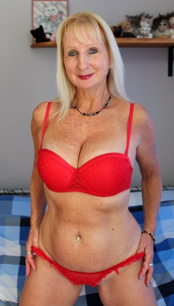 Red Bikini | Older Women | Sexy older women, Mature fashion, Beautiful old  woman