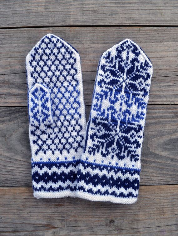 Wool Mittens- Nordic Blue and White Gloves-Christmas Gloves with a Stars Ornament - Gift for Mom  nO 42.