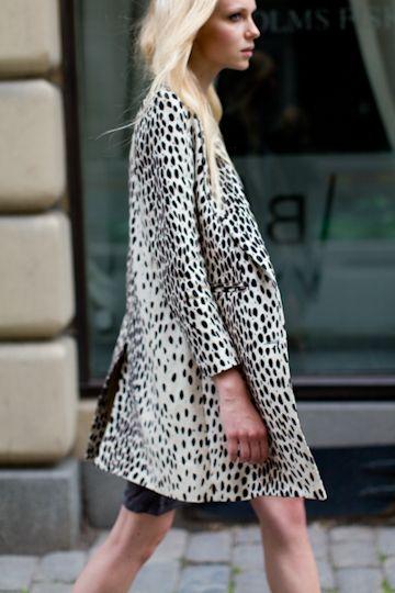 Wingtip Coat in Leopard Linen