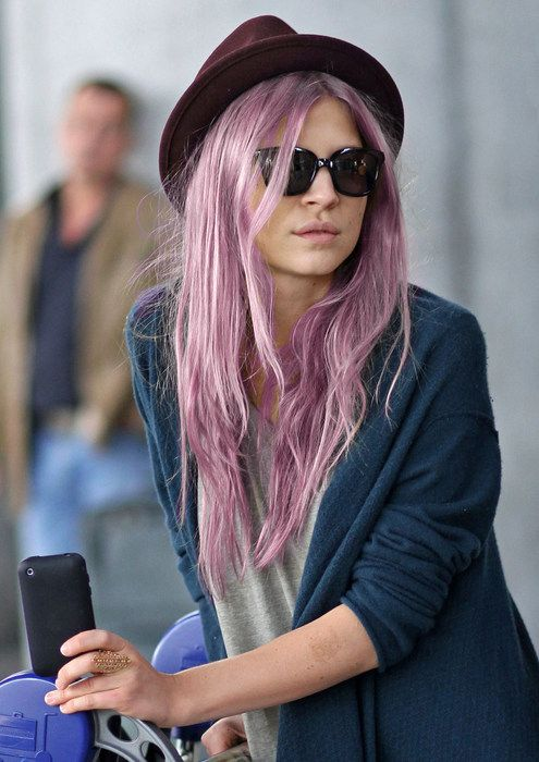 Fashion, Hair Colors, Frenchchic, Airports Style, Messy Hair, Clemence Poesy, French Beautiful, Hats Hair, French Chic