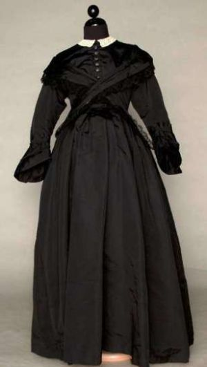 19th century maternity style - Maternity mourning dress ca 1870.jpg