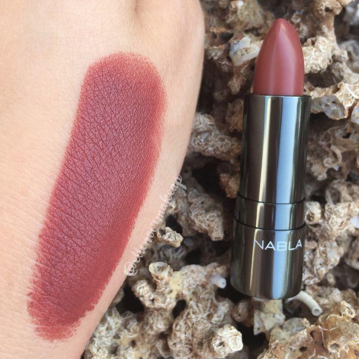 Ecco lo #swatch del #rossetto Balkis di @NABLA Cosmetics , della collezione #ButterflyValley. Vi piace?  - swatch con luce naturale -  #NablaCosmetics #Nabla #lipstick #beauty #makeup #cosmetics #bbloggers #ibbloggers #lips #blogger #love