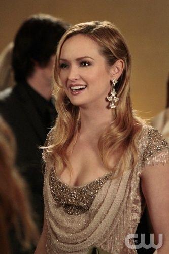 Like the dress and earrings