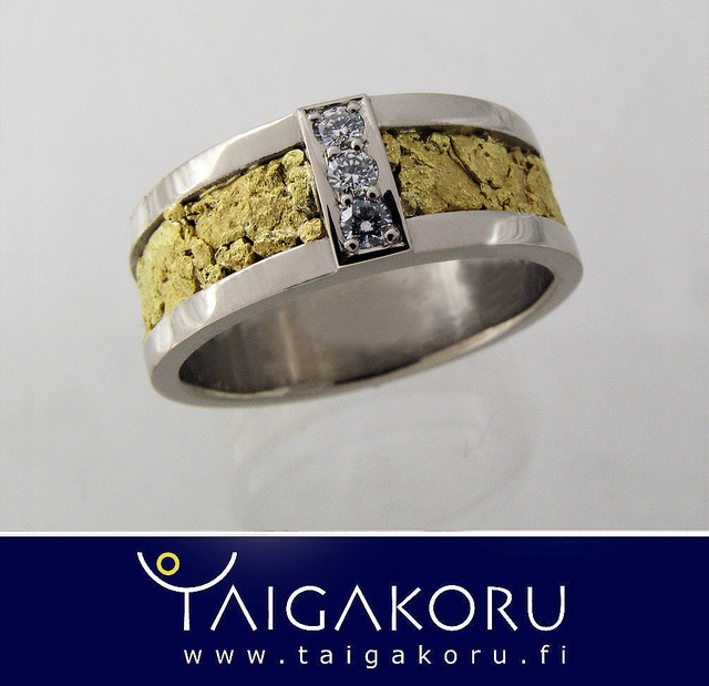 KVS84 Kultahippu, timantti, valkokulta, sormus, taigakoru. Gold nugget, diamond, white gold. www.taigakoru.fi by TAIGAKORU, via Flickr