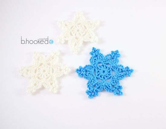Holiday Snowflakes. Free Pattern and video tutorial.