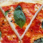 El Mundo Pizza siempre es auténtico, como toda comida italiana la salsa de la pizza es mitad secretos mitad tomate. Conoce los mejores tips aquí ...