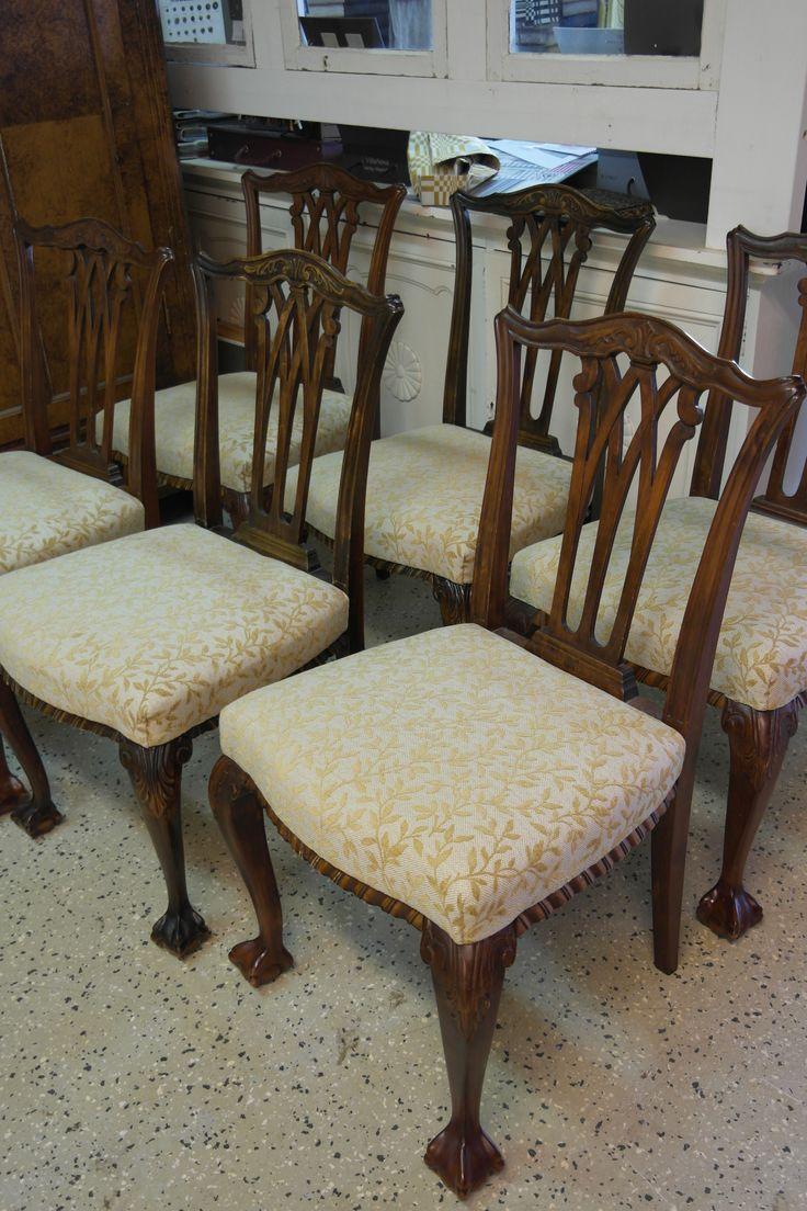 Chippendale tuolit uudelleenverhoiltuna Lauritzonin Janet kankaalla. #verhoilu