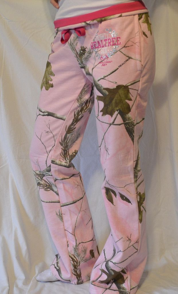 REALTREE WOMENS FLEECE PINK CAMO HUNTING LOUNGE SWEAT PANTS.  So cute for the huntress!!  Great for layering during the hunt or just for lounging around.