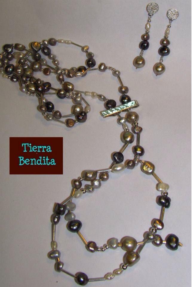 Collar de varias vueltas perlas de río y plata