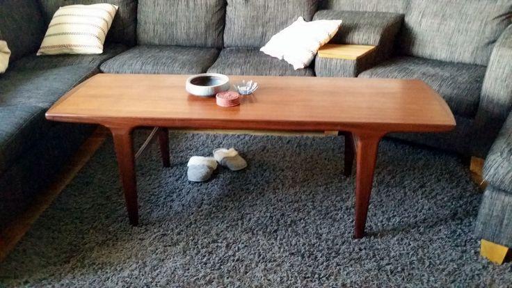 Soffbord, inköpt i Larv för 850kr