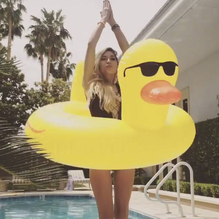 GIANT RUBBER DUCKIE POOL FLOAT – YUHU