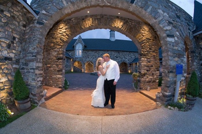 9 amazing Michigan wedding locations