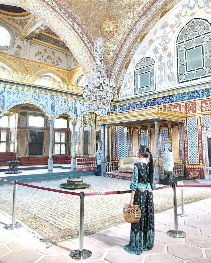Instagram @ofleatherandlace | Topkapi Palace - Harem Room in Istanbul Turkey