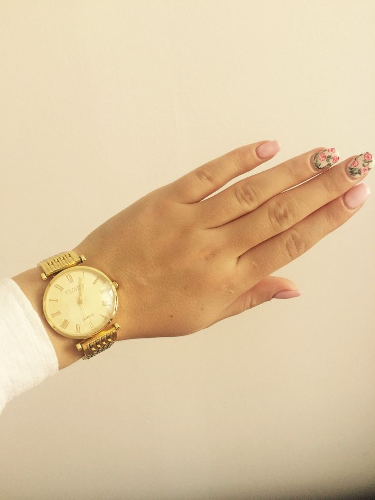 Oriflame watch, simple nails , beauty