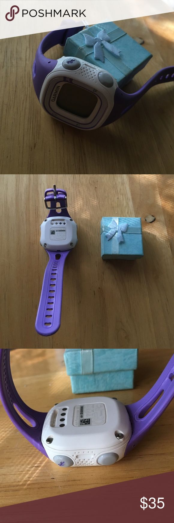 Garmin Forerunner 15 Watch Women's Small Violet Garman forerunner 15 women's violet and white small running watch .GPS. Comes with no charger included. perfect condition brand-new amazing fit and great for every day wear Garmin Accessories Watches