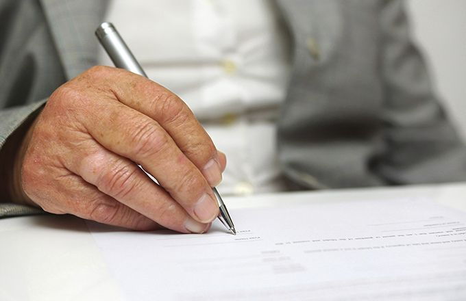 Avoid The Top 5 Scams Affecting Senior Citizens