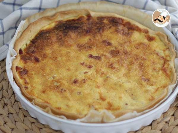 #menú #plato #Quiche lorraine, receta original --> https://www.petitchef.es/recetas/plato/quiche-lorraine-receta-original-fid-1565560?utm_content=bufferb47eb&utm_medium=social&utm_source=pinterest.com&utm_campaign=buffer + video paso a paso