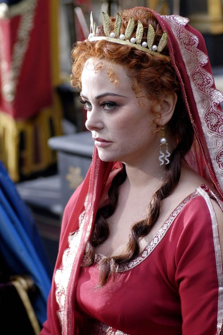 Rome is another HBO show that never really got to hit its stride before it was cancelled. While not my favorite era, its costuming was luxe and Polly Walker's Atia, in particular, always had striking palettes that reflected her personality and status.