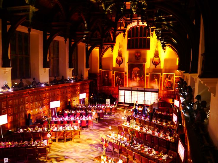 Best shot of the suggestive Hall from the Gallery