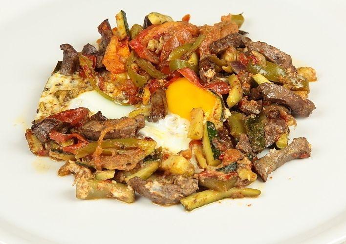 Recette chakchouka bel kebda de la cuisine tunisienne - Specialite africaine cuisine ...
