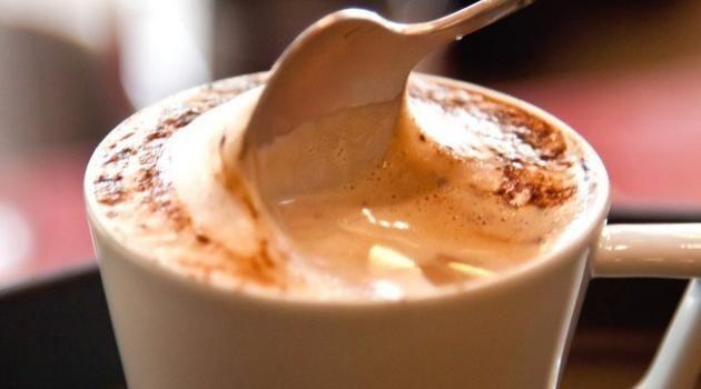 Cafe cremoso 2 xícaras de açúcar 100 g de café solúvel 4 colheres (sopa) de…