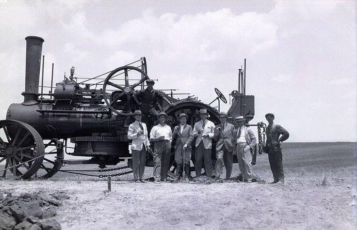 Fowler - deep plowing machine, Events in Israel File:PikiWiki Israel 9845 Fowler - deep plowing machine.jpg
