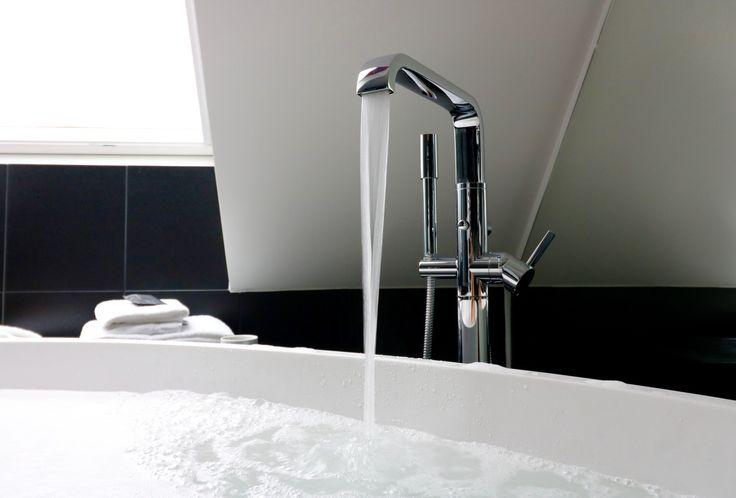 Hotel Oleana in Bergen, Norway, has choosen Vov #bathtub by #MastellaDesign. #bathdesign #contract #projects #designbath #bathroom #italiandesign #madeinitaly #art #design #archilovers