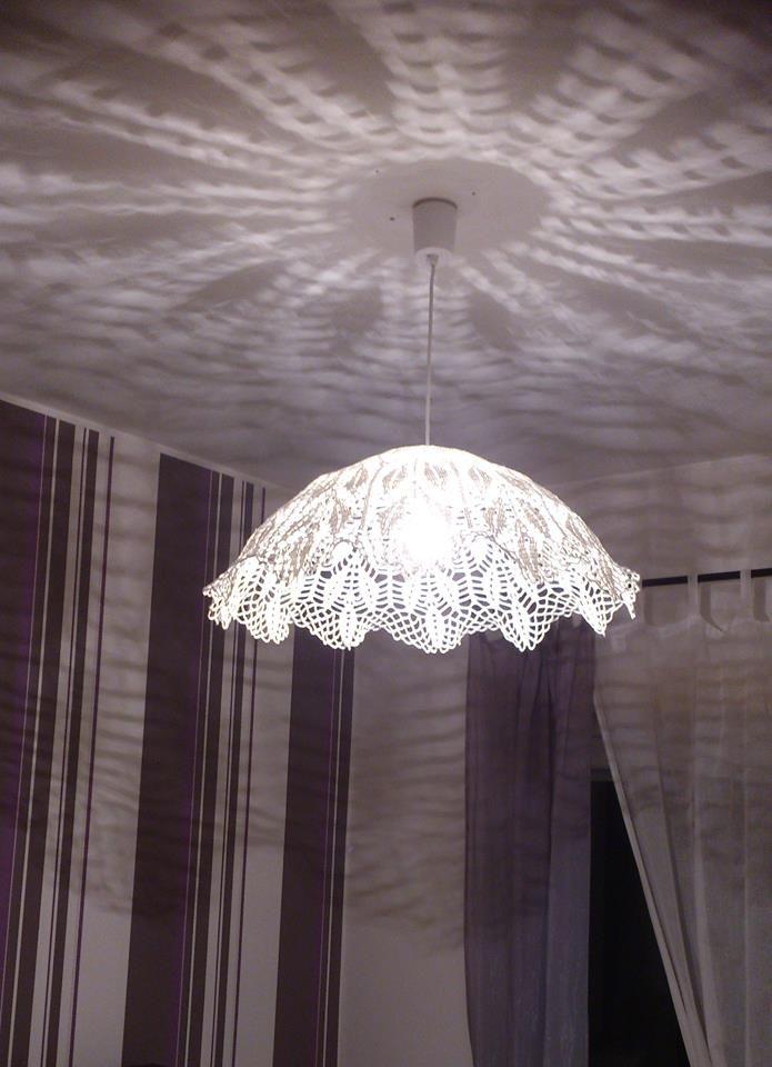 les 123 meilleures images propos de abat jour sur pinterest dentelle lampe en dentelle et. Black Bedroom Furniture Sets. Home Design Ideas