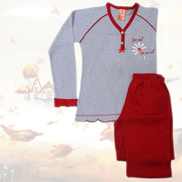 Love me? Love me not? Woman's Cotton Pajamas in grey and red tones, with the ever-lasting-question...