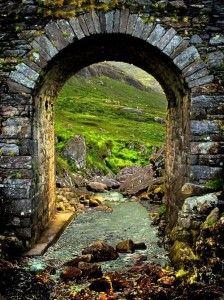 DOORWAY TO IRELAND