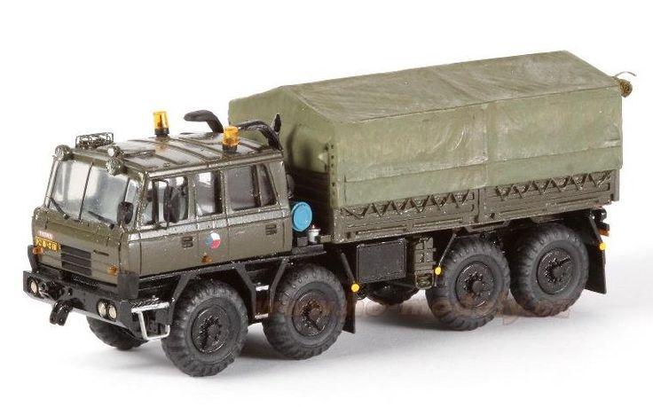 Precizní resinový model s leptanými kovovými díly Tatra T 815 VT 26 265 8x8.1R. Měřítko 1:87