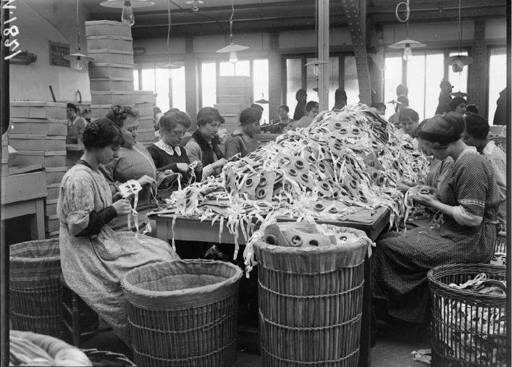 Ecofeminismo, decrecimiento y alternativas al desarrollo: Francia 1917: Mujeres en lucha