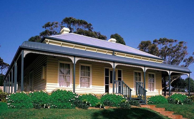 14 best images about victorian homes houses on pinterest for Victorian traditional homes