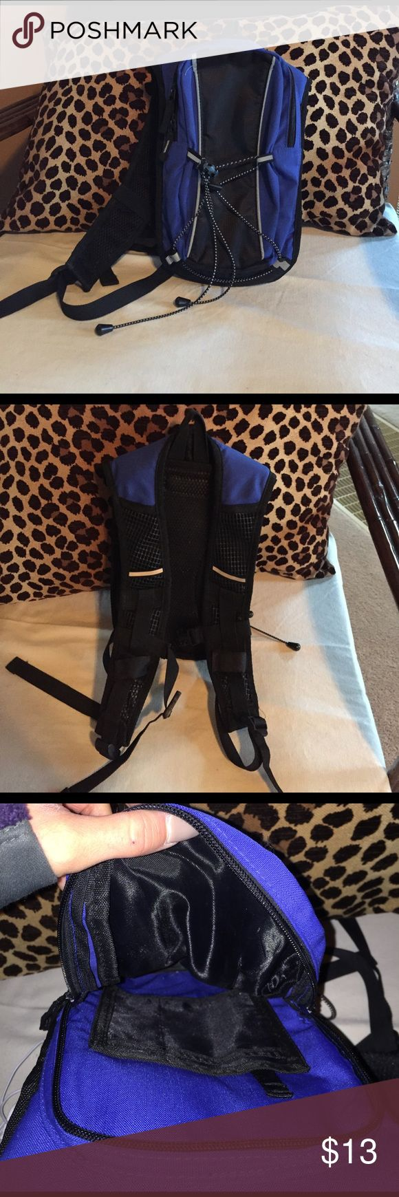 Small Hiking backpack Similar to camelback great shape 8x14 inches Bags Backpacks