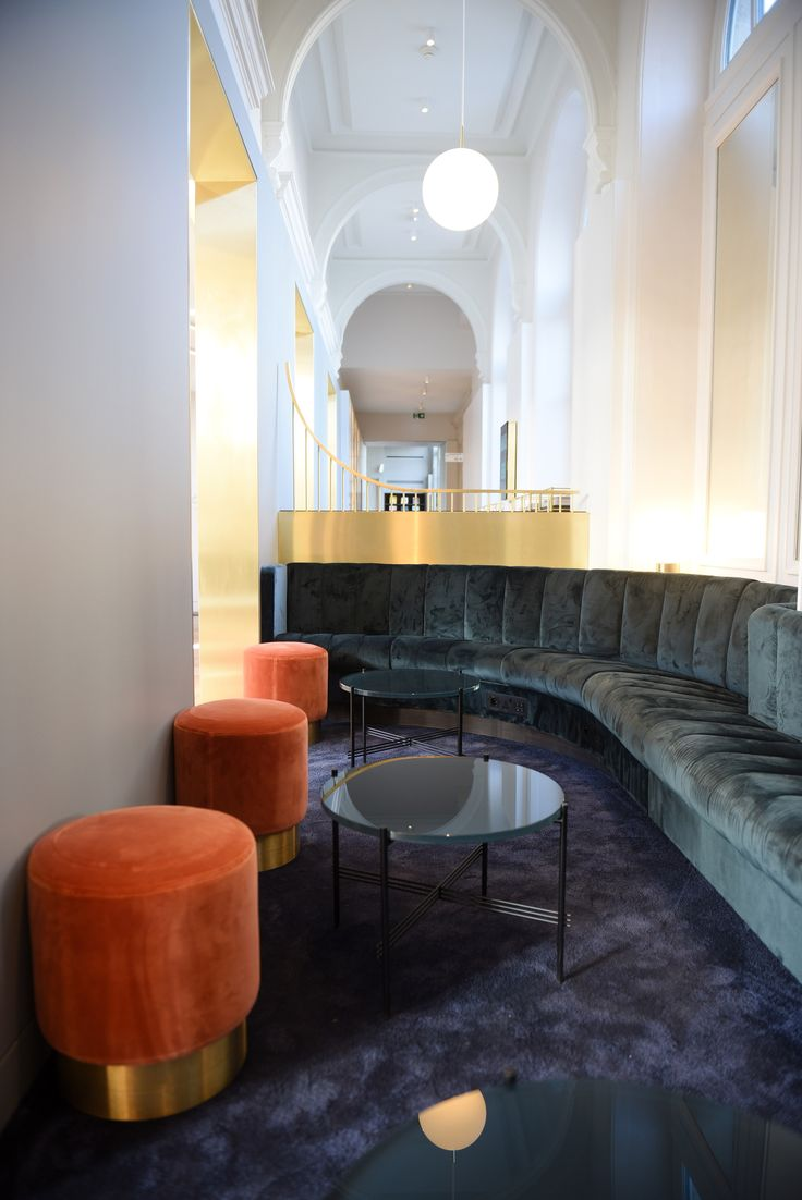 Softroom has designed a Eurostar lounge for business-class passengers in Paris' Gare du Nord, featuring a circular cocktail bar and plush upholstery