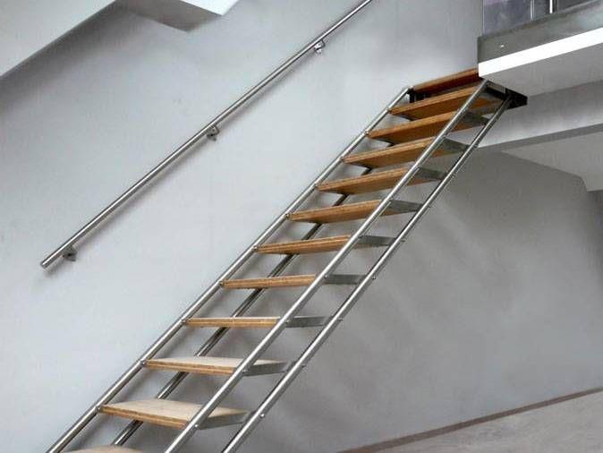 Escalier Design En Inox Structure Tubulaire Et Marches
