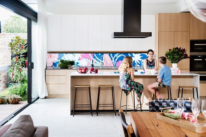 "The renovation was designed to cater for the growing needs of Remi, 11, Pirra, 14, and Carter, nine. The statement splashback is a mural by [botanical illustrator Adriana Picker](http://www.adrianapicker.com/|target=""_blank""