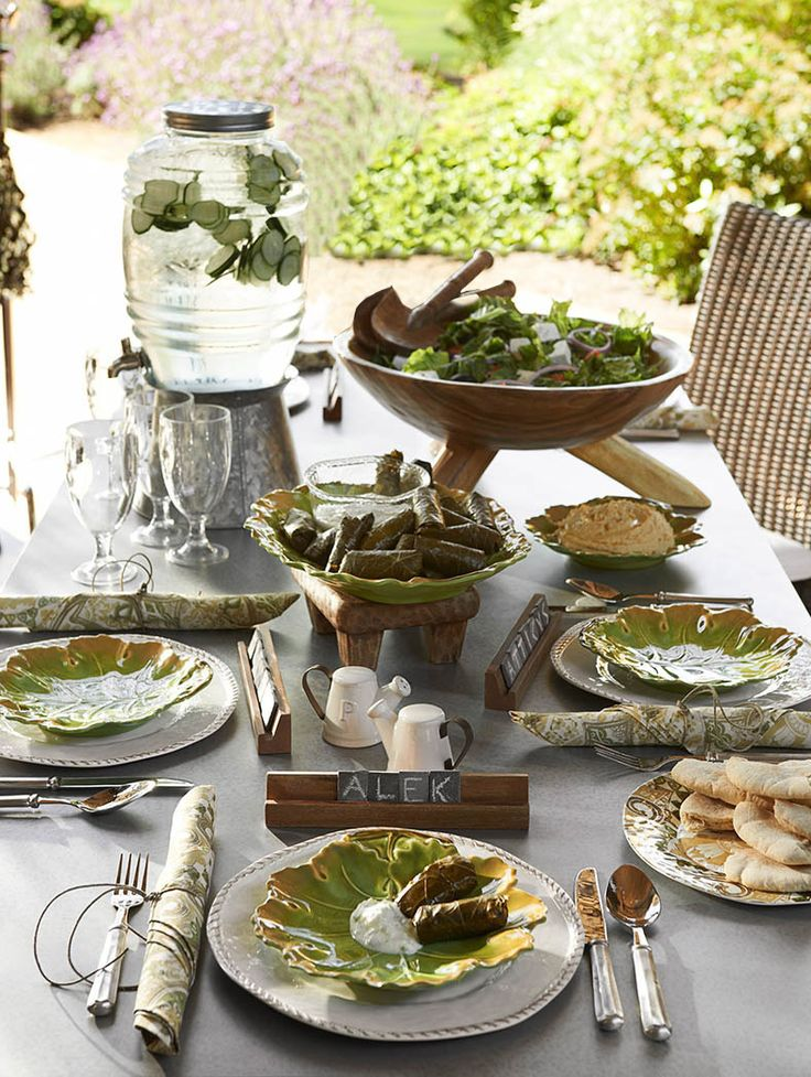 How cute are those slate tile placecards? Reminscent of everyone's favorite word game! #potterybarn