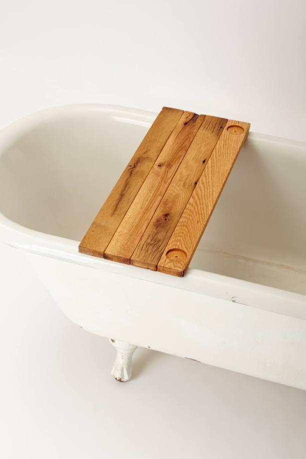Guide shopping accessoires déco pour la salle de bains: un plateau pour le bain   Décormag